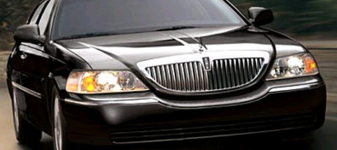Goodbye to an American Classic – The End of the Lincoln Town Car